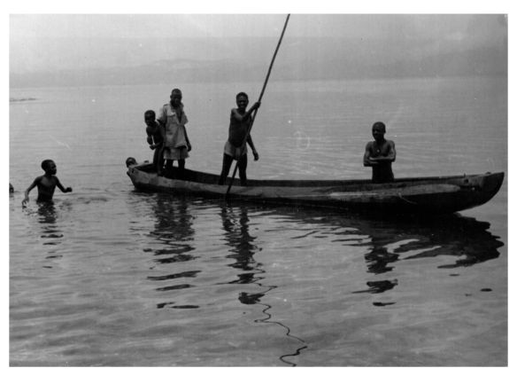 Young fishermen Kihongo 1950